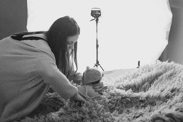 Making off séance photo bebe nourrisson photographe Martigues